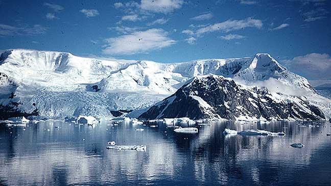 world travel antarctica